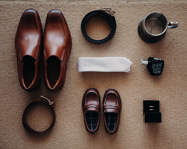4_K+T_Groom_Prep_at_Sandstone_Point_Hotel_She_Said_Yes_Wedding_Photography_Brisbane