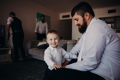 20_K+T_Groom_Prep_at_Sandstone_Point_Hotel_She_Said_Yes_Wedding_Photography_Brisbane