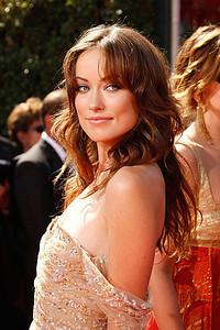 arrives at the 59th Annual Primetime Emmy Awards at the Shrine Auditorium on September 16, 2007 in Los Angeles, California.