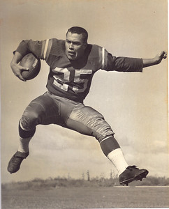 Tom Runnels 1950s Redskins Team Issue Photo