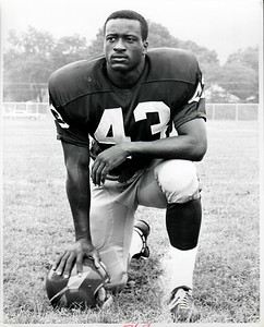 Larry Brown 1968 Redskins Team Issue Photo