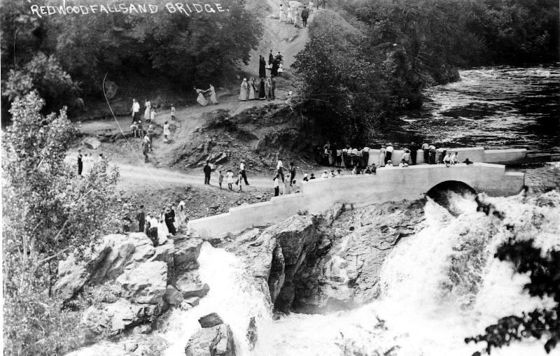 bridge at rdwd falls