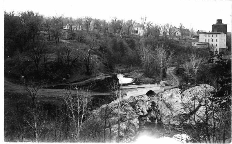 Bridge and road at Redwood Falls