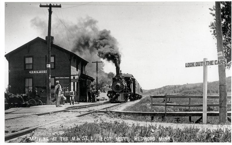 North Rdwd Depot and train 1910 001
