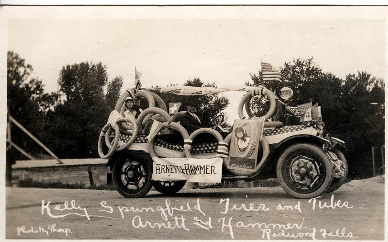 Arnett and Hammers float in the diamond jubilee parade of 1939