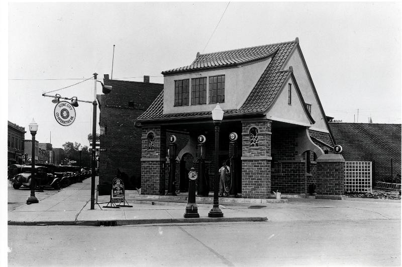 Coop Station 2nd and Mill 1935
