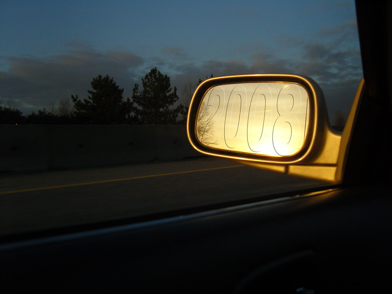 The year 2008 dissapears in the rear view mirror and the economy sets the same way as the sun. Will it rise again ?