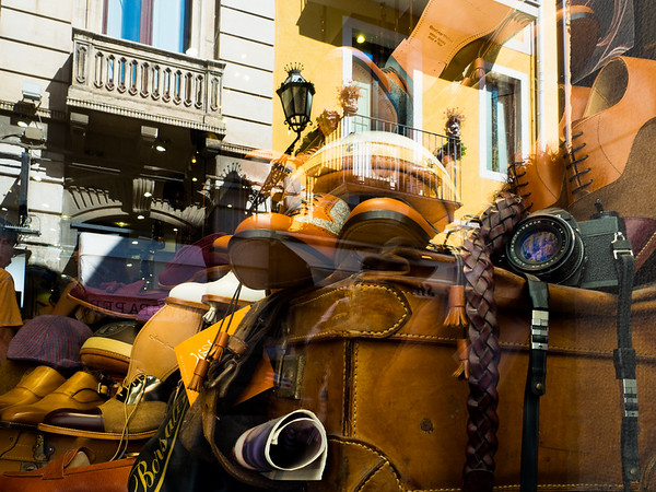 Retail Reflections in Taormina