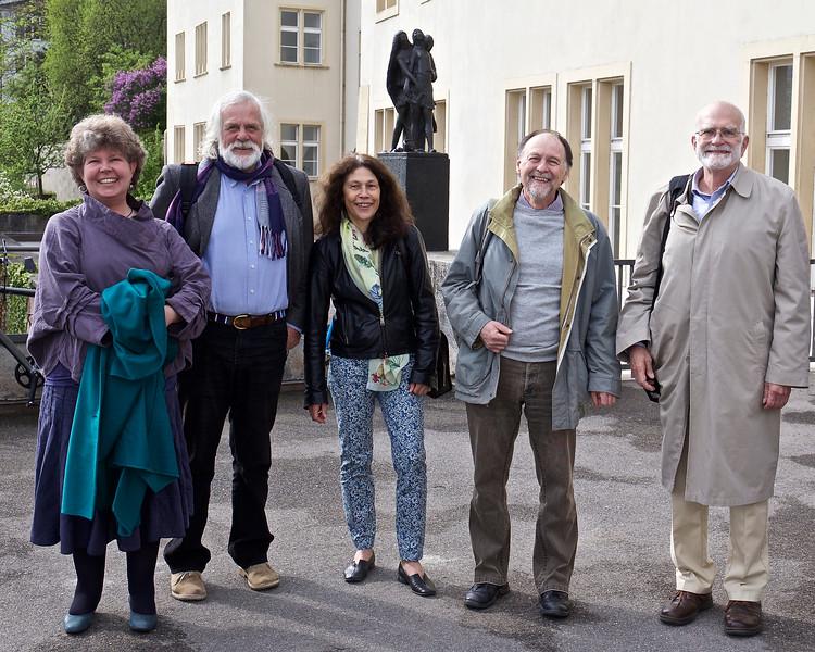 Leslie and Fritz Vollrath, Regula and Paul Schmid-Hempel and Steve--all in great spirit outside Die Alte Universität.
