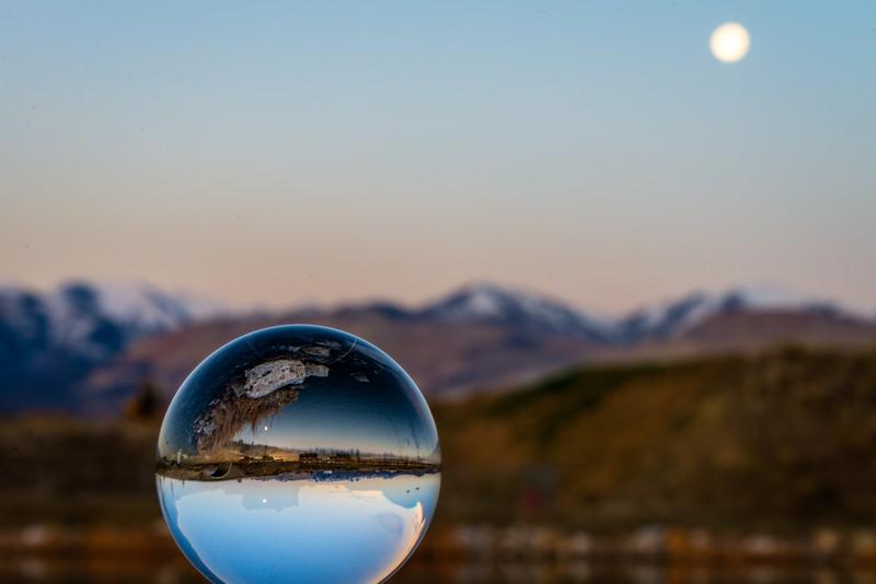 SRb1804_9408_Glass_Moonset