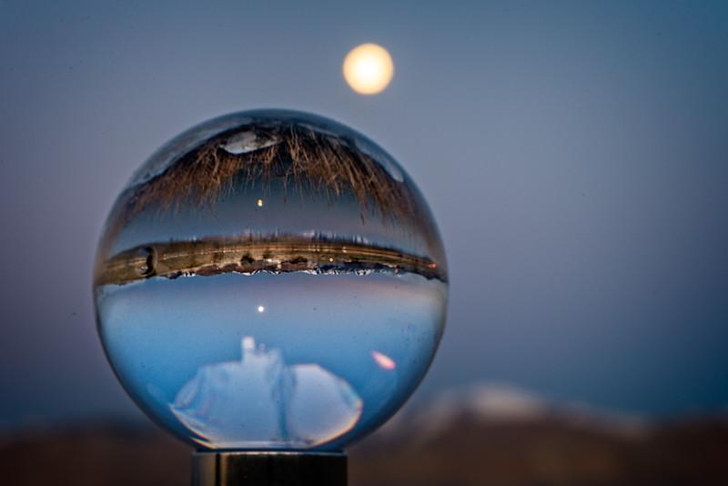 SRb1804_9402_Glass_Moonset