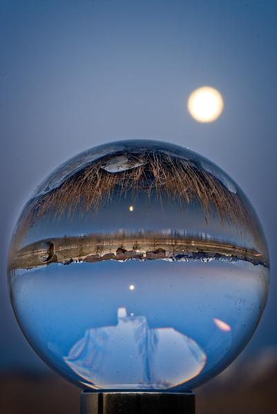 SRb1804_9401_Glass_Moonset
