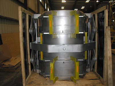 Refractory Lined Universal Expansion Joint with Pentographic Linkages (10/10/2003)