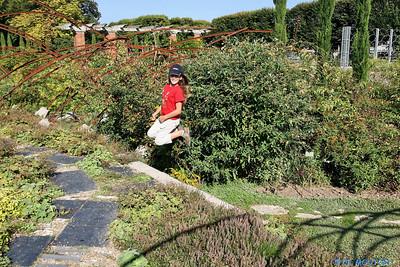 Saut enfant au Jardin des plantes 4 C-Mouton