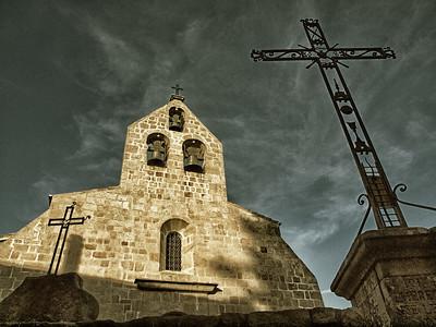 Trois croix, trois cloches