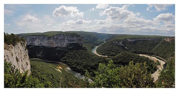 Les gorges de l'Ardèche (panoramique) -