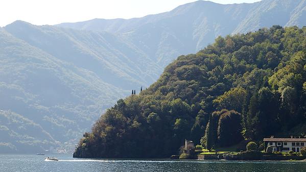 En bordure du lac, à Lenno