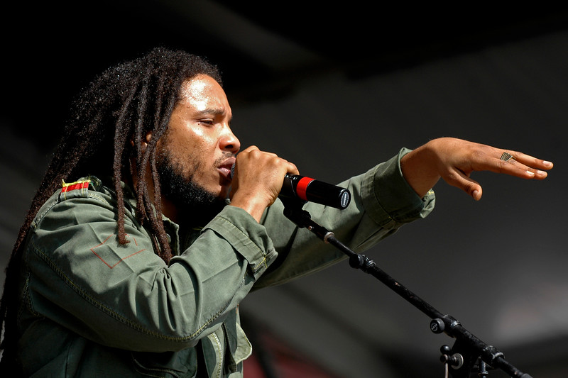 Stephen Marley performs at the New Orleans Jazz & Heritage Festival on May 5, 2007.