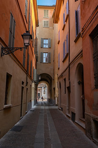 Walking narrow passageways to get to our hotel Auberge della Notarie.