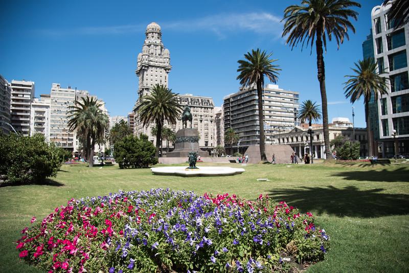 Plaza Independia, Montevideo, Uruguay