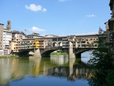 Ponte Vecchio famous bridge in Florence (Firenze), Italy