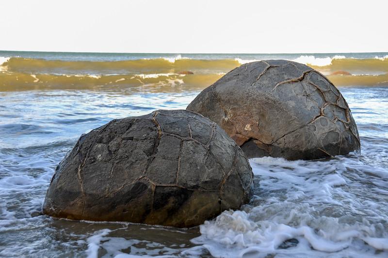 Moeraki's boulders rocks formation, South Island, New-Zealand