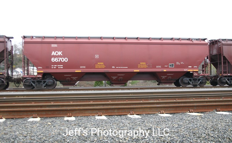 Arkansas-Oklahoma Railroad 3-Bay Greenbrier 5188 cu. ft. Covered Hopper No. 66700