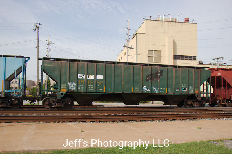 Rapid City, Pierre and Eastern Railroad 3-Bay PS 4750 cu. ft. Covered Hopper No. 181882