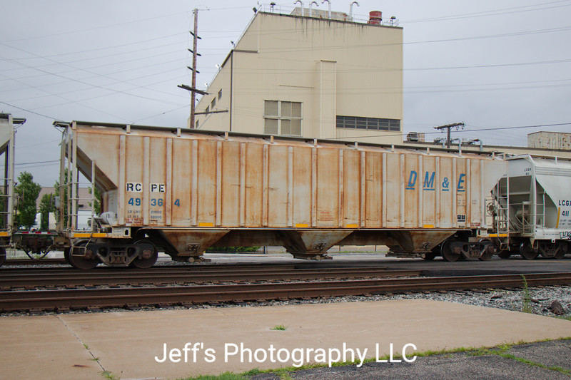Rapid City, Pierre and Eastern Railroad 3-Bay 4870 cu. ft. Covered Hopper No. 49364