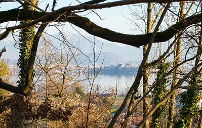 Trüllisberg, Feldbach. Blick auf das Schloss Rapperswil