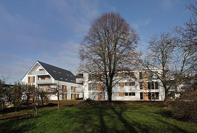 06 Wohnhof Schwarzwaldstraße, Buchholz (Stadt Waldkirch). Die Gebäude liegen direkt an der Naturgrenze, mit Blick auf den Schwarzwald.