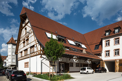 05 Gutshof Nordflügel, Gutach im Breisgau. Der Hof hat sich durch das neue Konzept zum Ortsmittelpunkt und Marktplatz entwickelt.