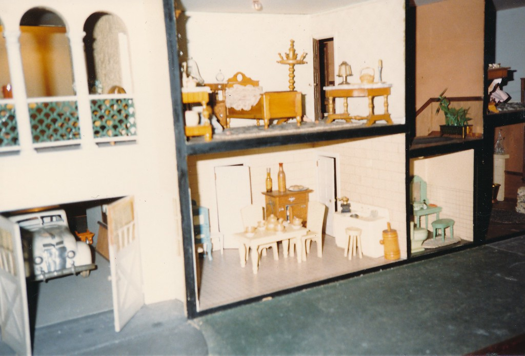 H Halter Dollhouse 7