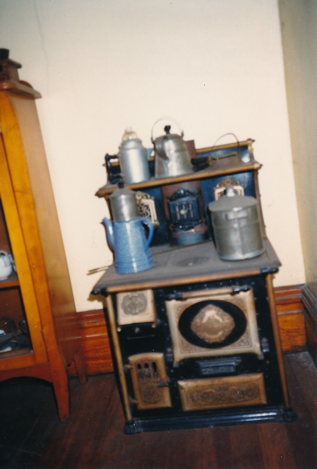 H Halter Dollhouse 4