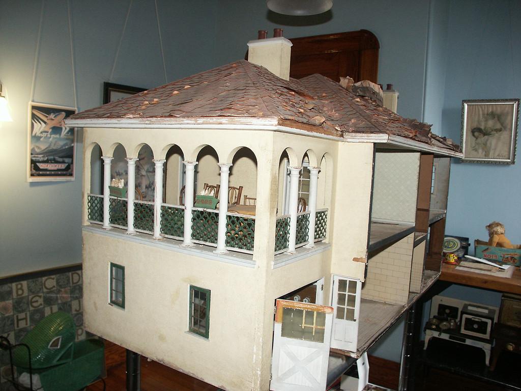 Doll House 2012