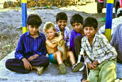 Indien - Sohn Max (ja, er mag Hunde)