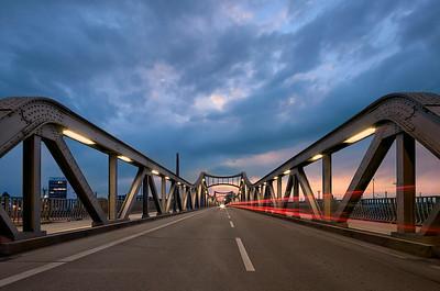 Stahlbrücke am Darmstädter Hbf