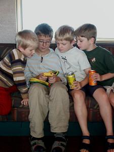 Gameboys Nach der Fahrt haben wir einen zweiten Gameboy gekauft.
