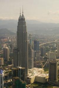 Die Twintowers von Petronas 452 Meter hoch! Vom Fernsehturm gesehen.