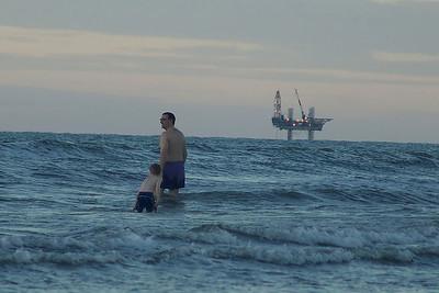 Wolfgang im südchinesischen Meer beim Baden.