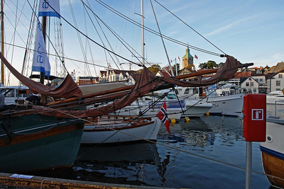 Am Ende des Urlaubs war eine große Ölmesse in Stavanger (ONS). Der Hafen war mal wieder voll mit alten Booten auf denen gefeiert wurde.