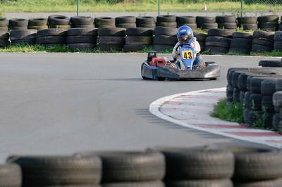 Natürlich mussten wir auch der Kartbahn in Bassum einen Besuch abstatten. Oskar ist leidenschaftlicher Rennfahrer.