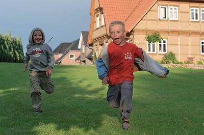 Die erste Station war Barrien. Die Cousins und Cousinen haben sich schon auf unsere Kinder gefreut.