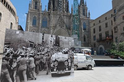Die Kathedrale von Barcelona. Das grosse Bild davor zeigt den spanischen Diktator Franco.