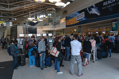 Eigentlich waren wir ja früh genug am Flughafen in Stavanger, aber die Abfertigung war extrem langsam