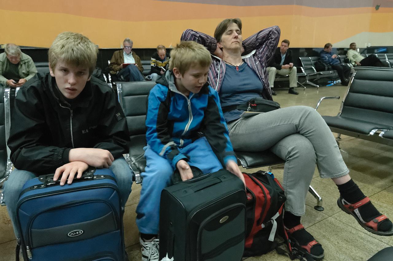 Und müde am nächsten Morgen vor dem Weiterflug nach Windhoek.
