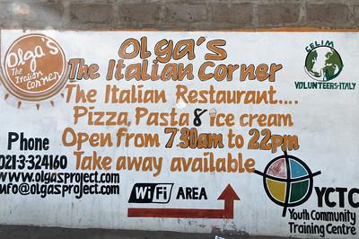 Bei Olga haben wir einen Abend auch gegessen. Pizza und Nudeln sind sehr gut.