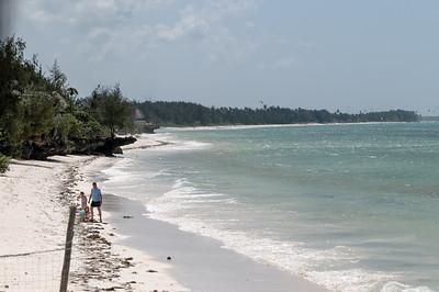 Der Strand ist toll, aber  bei Ebbe muss man etwas gehen, bevor man schwimmen kann.