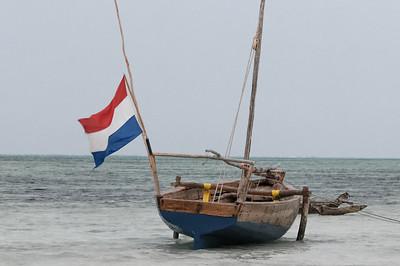 Bei Ebbe liegen diese Boote auf dem Trockenen.