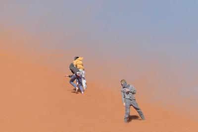 Die Kinder haben viel Spass auf der Düne. Danach hatten wir den Sand überall.